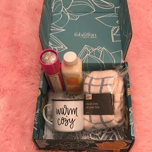 FabFitFun Girls Night In Gift Box